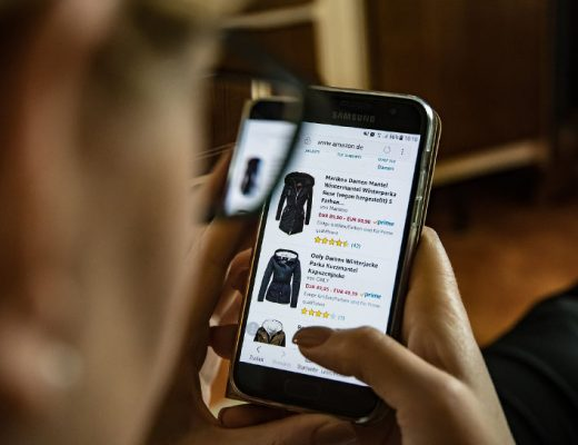 karakter konsumen online shop