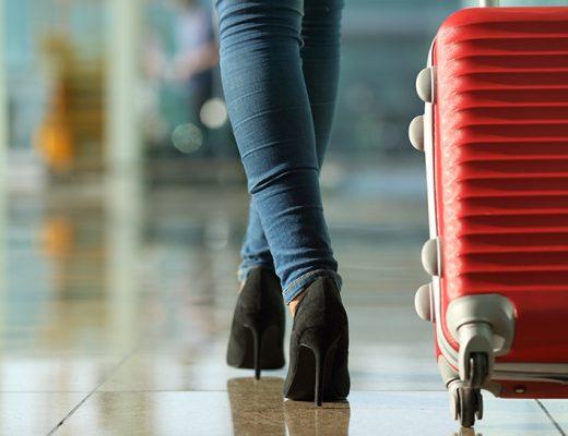 6 Cara Menjaga Koper Saat Traveling